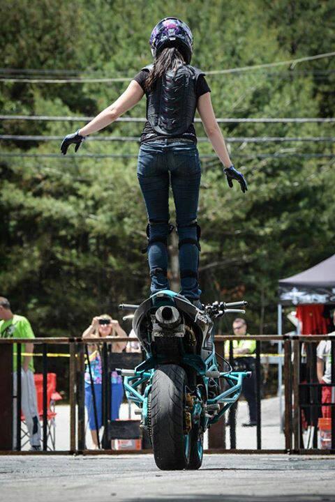 Robyn Stunts Christ
