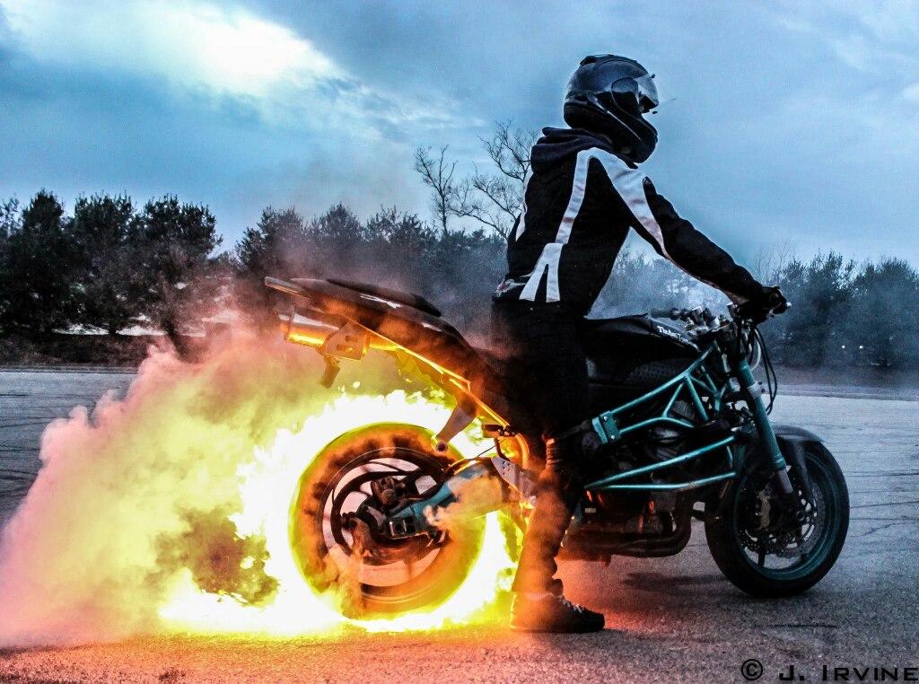 Robyn Stunts Fire Burnout