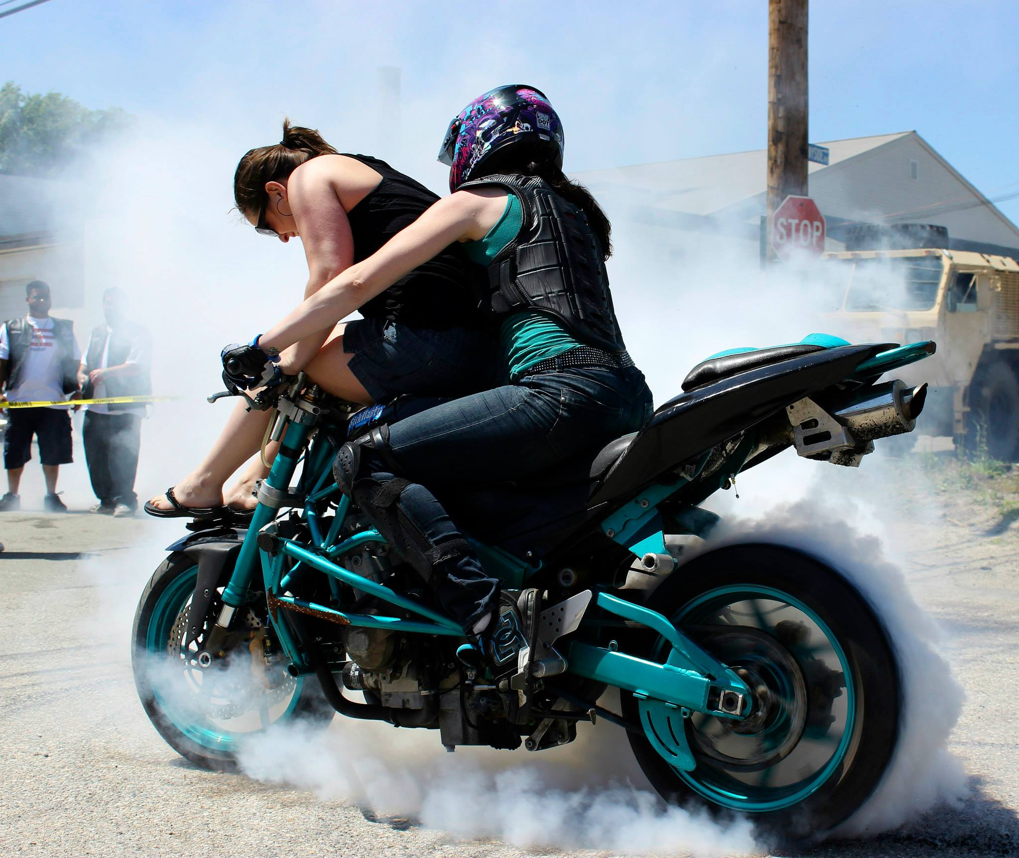 Robyn Stunts Burnout