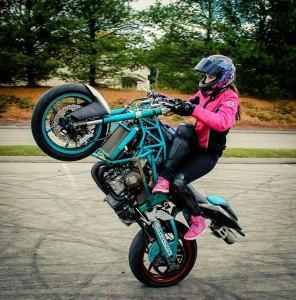 RobynStunts Wheelie