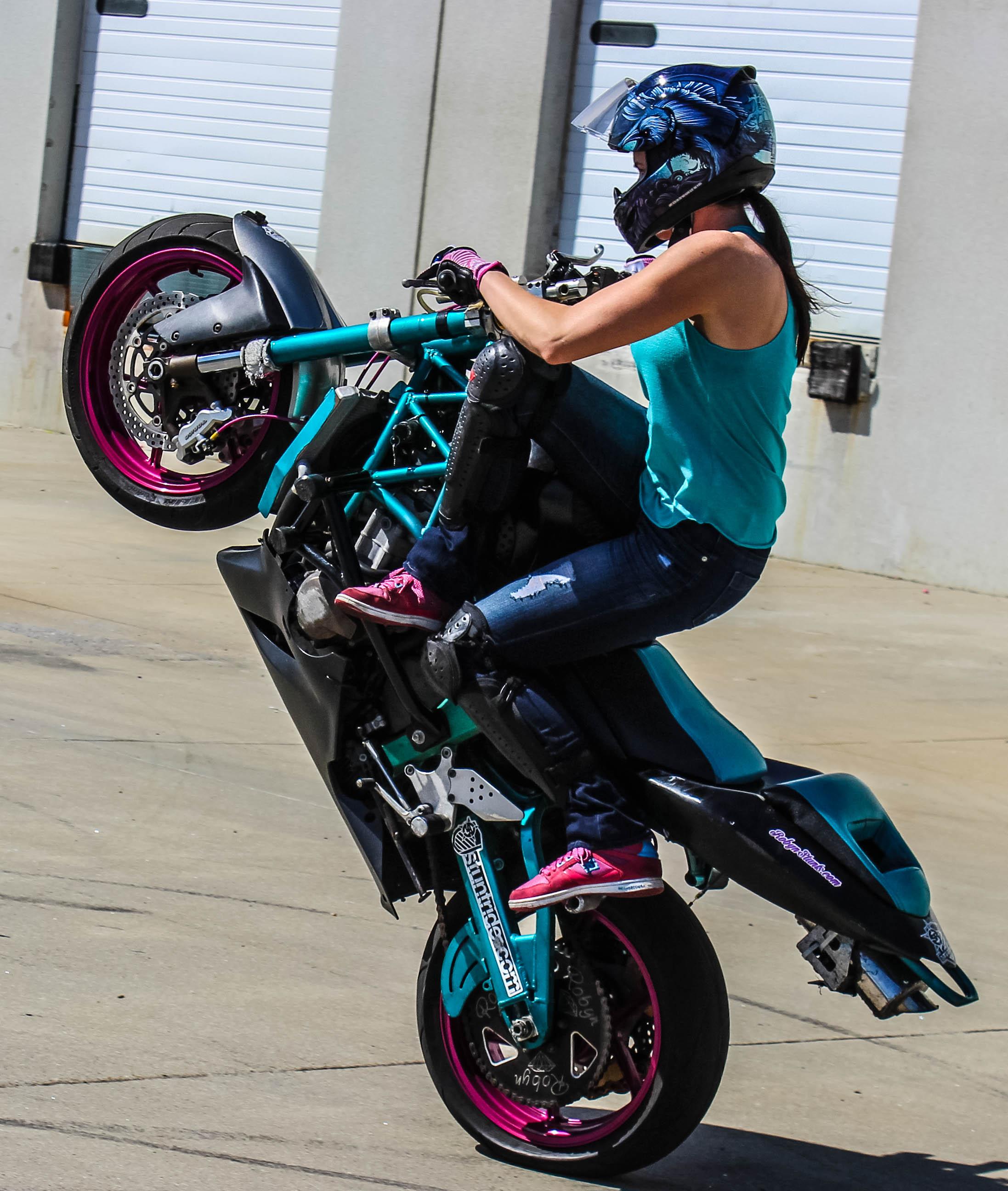 Robyn Diamond Wheelie